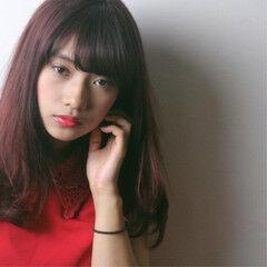 ミディアムレイヤー ナチュラル オルティーブアディクシー ミディアムヘアー ヘアスタイルや髪型の写真・画像