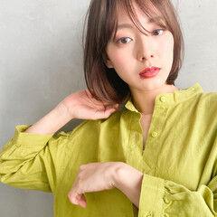 シアーベージュ 透明感カラー ナチュラル グレージュ ヘアスタイルや髪型の写真・画像