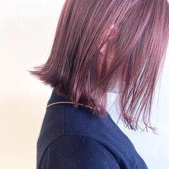 ボブ ブリーチオンカラー チェリーレッド ナチュラル ヘアスタイルや髪型の写真・画像