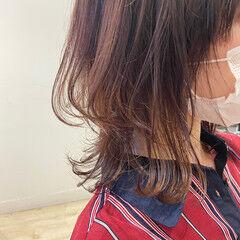 ナチュラルウルフ ウルフカット ミディアム ニュアンスウルフ ヘアスタイルや髪型の写真・画像