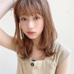 大人かわいい ミディアム レイヤーカット 簡単スタイリング ヘアスタイルや髪型の写真・画像