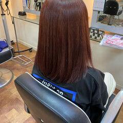 モード チェリーレッド セミロング レッドカラー ヘアスタイルや髪型の写真・画像