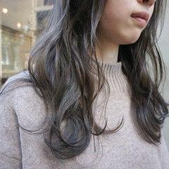 ナチュラル 暗髪 くすみベージュ くすみカラー ヘアスタイルや髪型の写真・画像