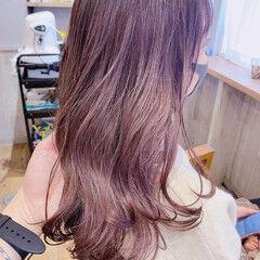 ロング インナーカラーオレンジ ナチュラル オリーブアッシュ ヘアスタイルや髪型の写真・画像