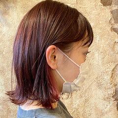 ラベンダーピンク ピンクバイオレット 切りっぱなしボブ インナーカラー ヘアスタイルや髪型の写真・画像