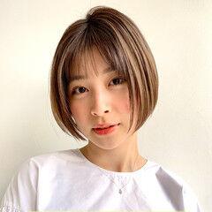 ナチュラル ショートボブ 大人ハイライト シースルーバング ヘアスタイルや髪型の写真・画像