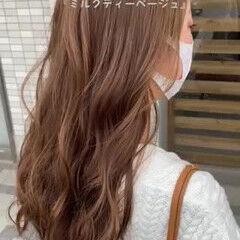 ミルクティーグレージュ ミルクティーベージュ ロング フェミニン ヘアスタイルや髪型の写真・画像