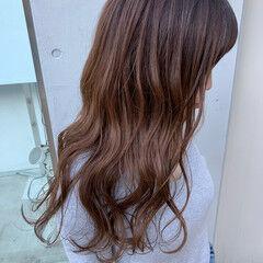 スライシングハイライト フェミニン パステルカラー ミディアム ヘアスタイルや髪型の写真・画像