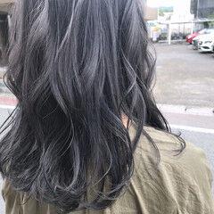 ゆるふわ アッシュグレージュ ウェーブ カール ヘアスタイルや髪型の写真・画像