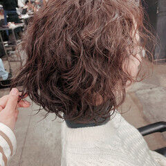 ボブ 無造作パーマ 切りっぱなしボブ  ヘアスタイルや髪型の写真・画像