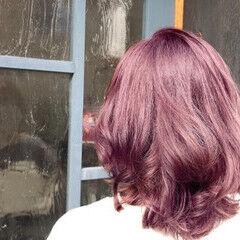 セミロング 暖色 髪質改善トリートメント エレガント ヘアスタイルや髪型の写真・画像