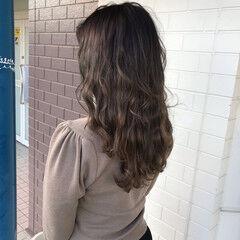 セミロング エレガント グラデーション ナチュラルグラデーション ヘアスタイルや髪型の写真・画像