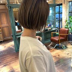 ナチュラル ミルクティーベージュ ハイライト ローライト ヘアスタイルや髪型の写真・画像