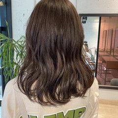 暗髪 透明感カラー ナチュラル ミディアム ヘアスタイルや髪型の写真・画像