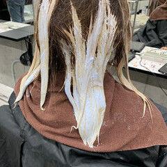 プラチナブロンド ガーリー シルバーグレージュ ミディアム ヘアスタイルや髪型の写真・画像