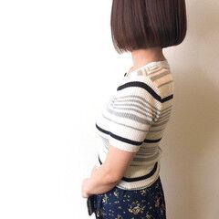 アッシュベージュ 切りっぱなしボブ ミニボブ ワンレングラボブ ヘアスタイルや髪型の写真・画像