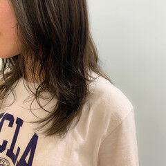 圧倒的透明感 セミロング ストリート レイヤーカット ヘアスタイルや髪型の写真・画像