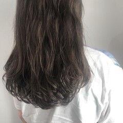 ナチュラル ベージュ ゆるふわ イルミナカラー ヘアスタイルや髪型の写真・画像