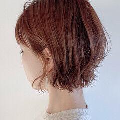 ミニボブ ショートヘア 切りっぱなしボブ ナチュラル ヘアスタイルや髪型の写真・画像