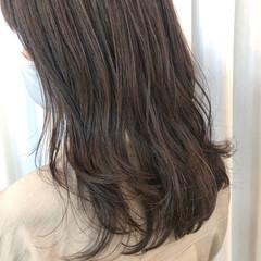 イルミナカラー ナチュラル ロング 極細ハイライト ヘアスタイルや髪型の写真・画像