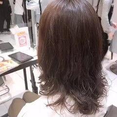 無造作パーマ ミディアム ナチュラル ダメージレス ヘアスタイルや髪型の写真・画像