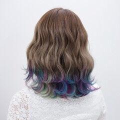 ダブルカラー ユニコーンカラー 波ウェーブ レインボーカラー ヘアスタイルや髪型の写真・画像