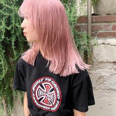 ミディアム ピンクカラー ホワイトカラー ブロンド ヘアスタイルや髪型の写真・画像