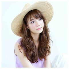 ガーリー ヘアアレンジ 夏 麦わら帽子 ヘアスタイルや髪型の写真・画像