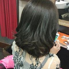 フェミニン ミディアム おフェロ ブルージュ ヘアスタイルや髪型の写真・画像