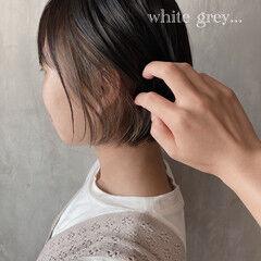 インナーカラー ナチュラル オリーブグレージュ ミニボブ ヘアスタイルや髪型の写真・画像