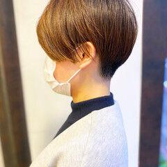 刈り上げショート 耳かけ 大人かわいい 簡単スタイリング ヘアスタイルや髪型の写真・画像