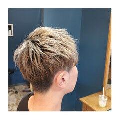 メンズショート ブリーチオンカラー 透明感カラー シアグレー ヘアスタイルや髪型の写真・画像