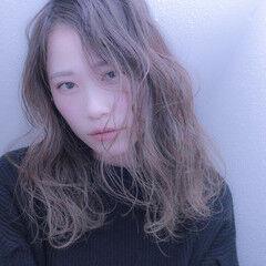 撮影 簡単ヘアアレンジ パーマ ナチュラル ヘアスタイルや髪型の写真・画像