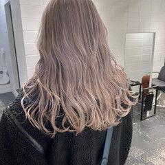 ハイトーン ロング ナチュラル ハイトーンカラー ヘアスタイルや髪型の写真・画像