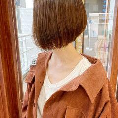 ナチュラル ボブ オリーブカラー オリーブベージュ ヘアスタイルや髪型の写真・画像