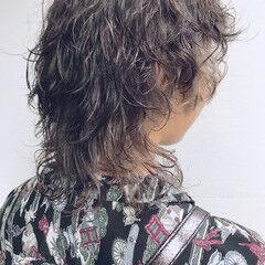 ナチュラル ミディアム ウルフパーマ ウルフカット ヘアスタイルや髪型の写真・画像