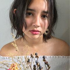 外国人風 ショート くせ毛風 透明感 ヘアスタイルや髪型の写真・画像