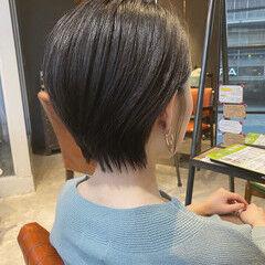 耳かけ 大人ショート ショート 艶髪 ヘアスタイルや髪型の写真・画像