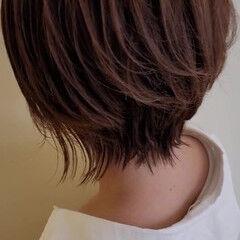 ショート 前下がりヘア レイヤーカット ハイライト ヘアスタイルや髪型の写真・画像