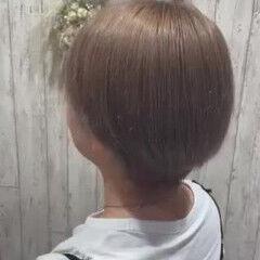 ベージュ ショート オリーブグレージュ モード ヘアスタイルや髪型の写真・画像