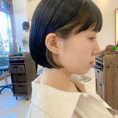 ミニボブ ショート インナーカラー 前下がりヘア ヘアスタイルや髪型の写真・画像