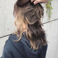 ロング インナーカラー ダブルカラー ナチュラル ヘアスタイルや髪型の写真・画像