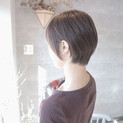 ショートボブ ミルクグレージュ ショート グレージュ ヘアスタイルや髪型の写真・画像