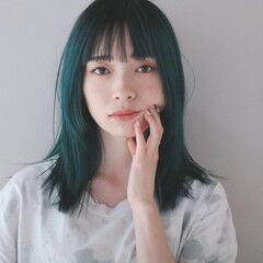 ブルー エアーストレート グリーン エメラルドグリーンカラー ヘアスタイルや髪型の写真・画像