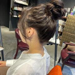 ナチュラル お団子ヘア 簡単ヘアアレンジ 透明感カラー ヘアスタイルや髪型の写真・画像