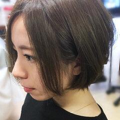 ハンサムボブ ナチュラル ショートボブ アッシュグレージュ ヘアスタイルや髪型の写真・画像