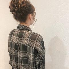アップスタイル フェミニン ロング お団子アレンジ ヘアスタイルや髪型の写真・画像