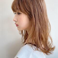 ナチュラル 毛先パーマ レイヤーカット アンニュイほつれヘア ヘアスタイルや髪型の写真・画像