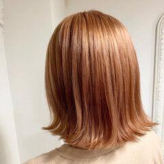 ブリーチカラー ボブ 切りっぱなしボブ イメチェン ヘアスタイルや髪型の写真・画像