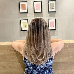 アッシュベージュ グレージュ セミロング ママ ヘアスタイルや髪型の写真・画像